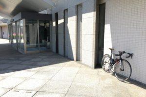 玄関へバイク
