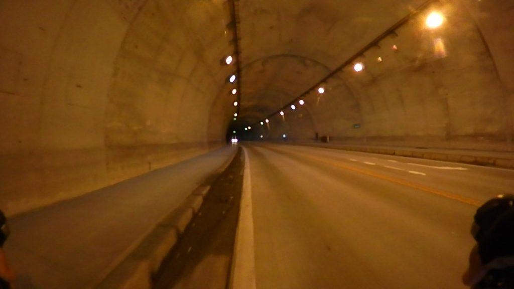 裏コーストンネル