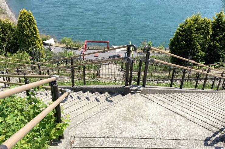 降りる階段