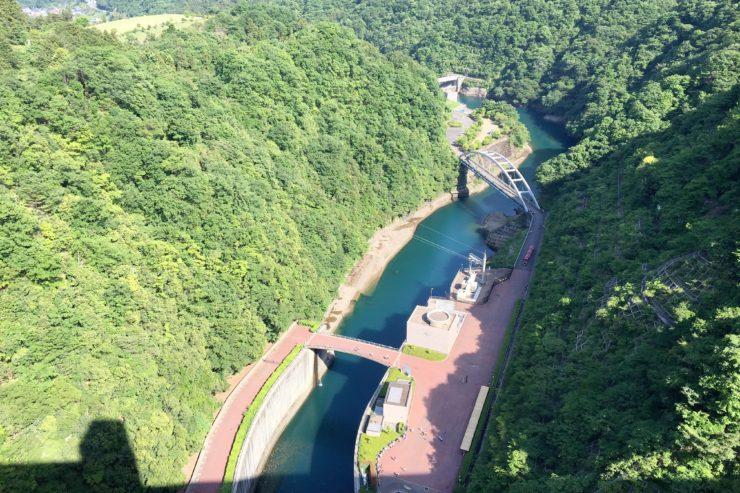 ダムから下を見た