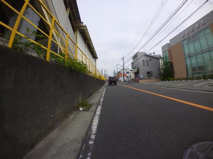 螢田駅沿い