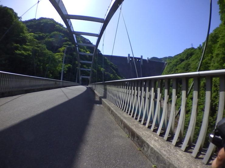 橋からのダム