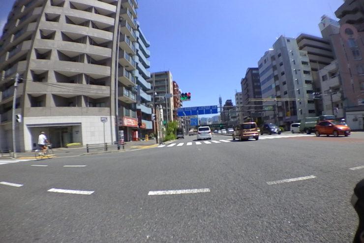 横浜駅近く