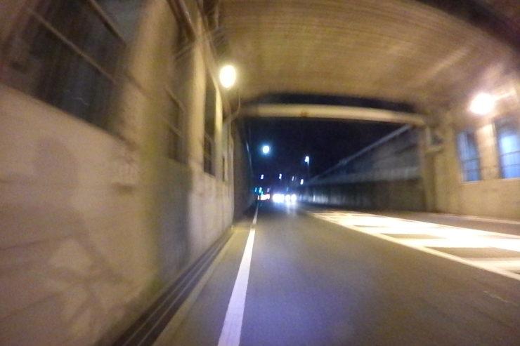 小田急線下