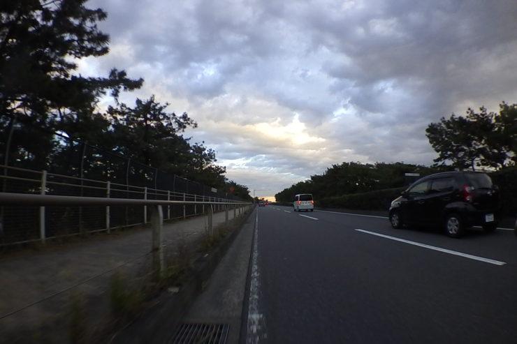 日没の海岸線