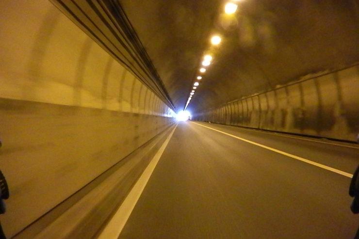 田浦トンネル