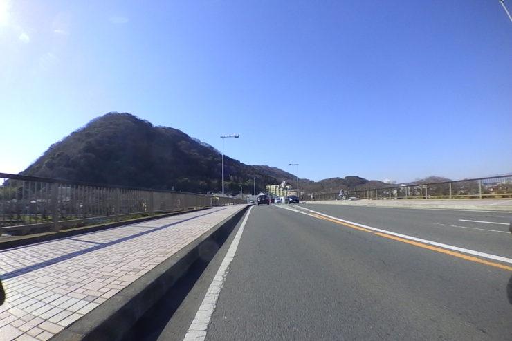 湘南平へ向かっての道