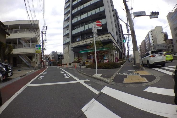 路地裏への道