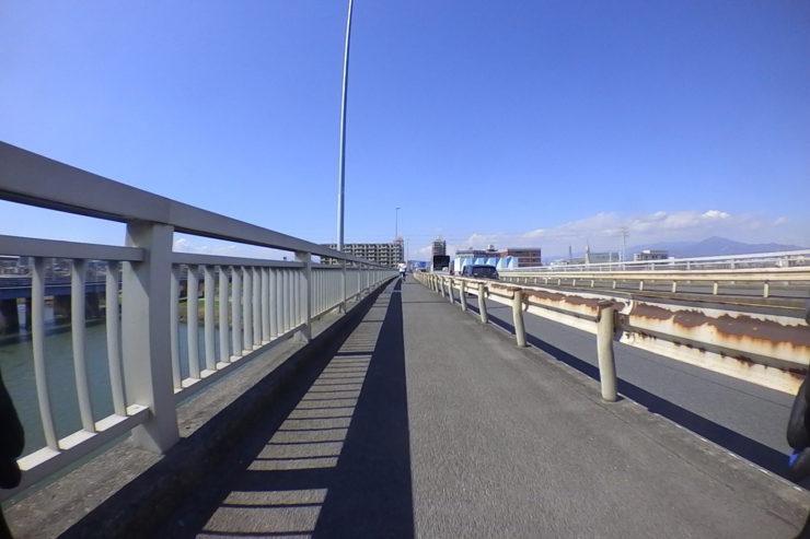 橋の上の走行