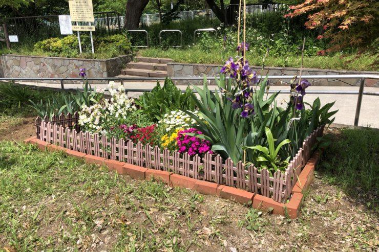 東野第五公園の花壇