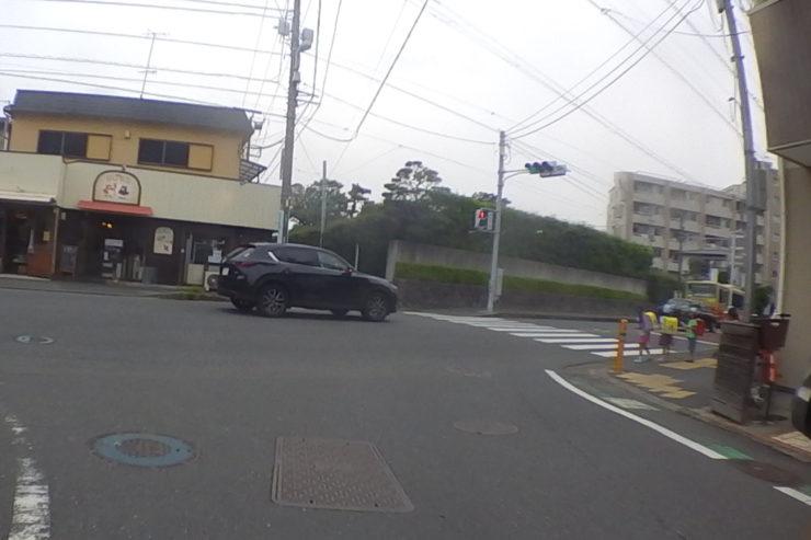 車両用信号ない交差点