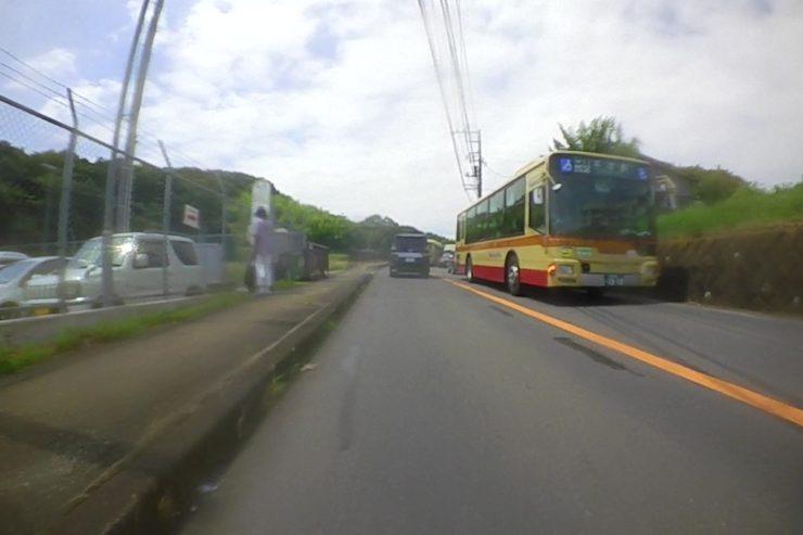 バスが停車中