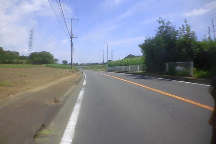 広い道へ出た