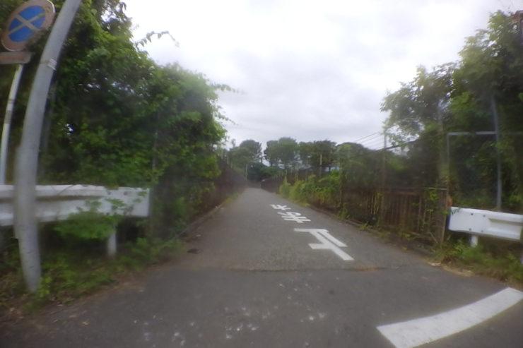 東名高速側道