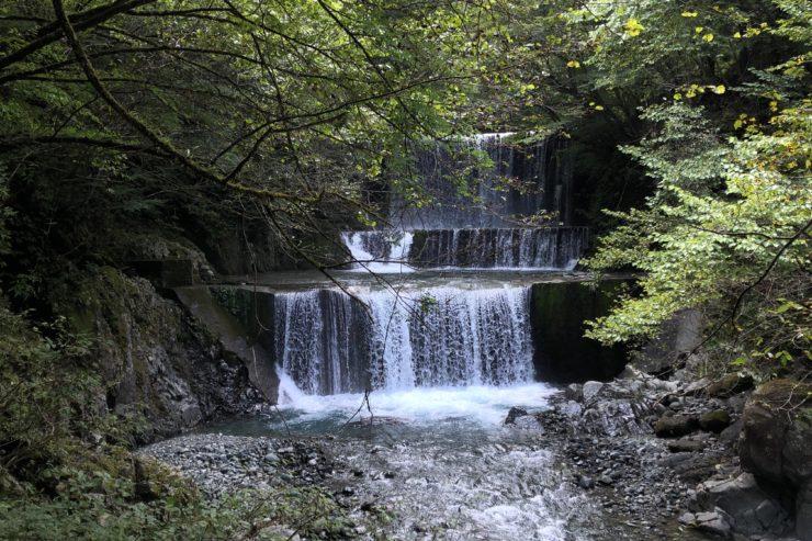 塩水橋奥の滝