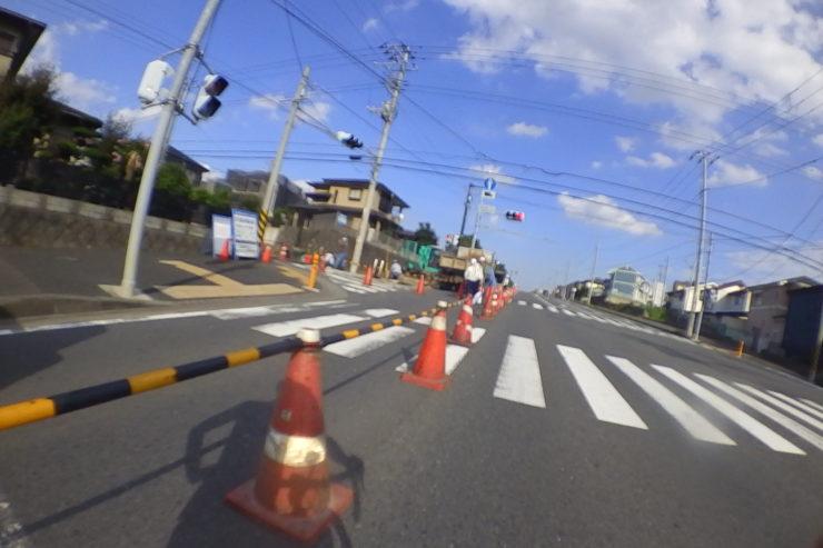 赤信号で停車