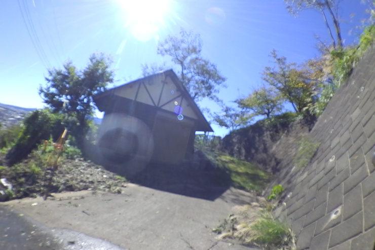 ハーブ園横の小屋