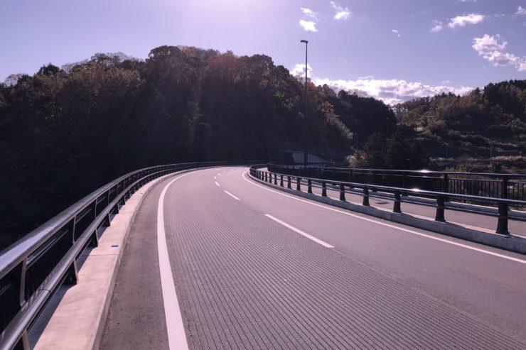 見晴らしの良い道路