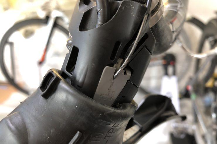 ロードバイクケーブル交換