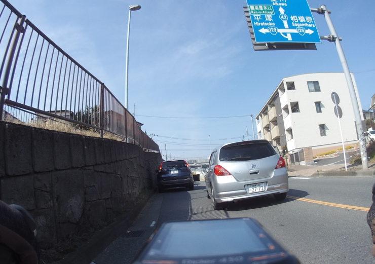 左折車渋滞