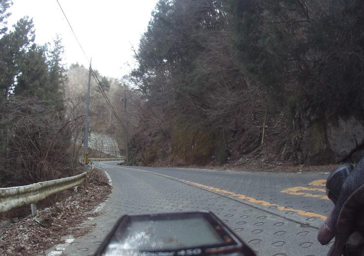 牧馬峠への道