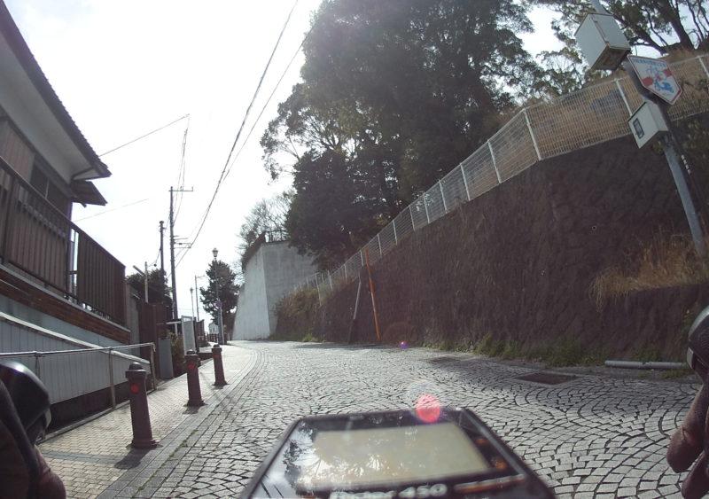 横須賀中央の石畳坂