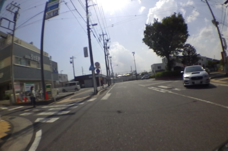 六会日大前駅前