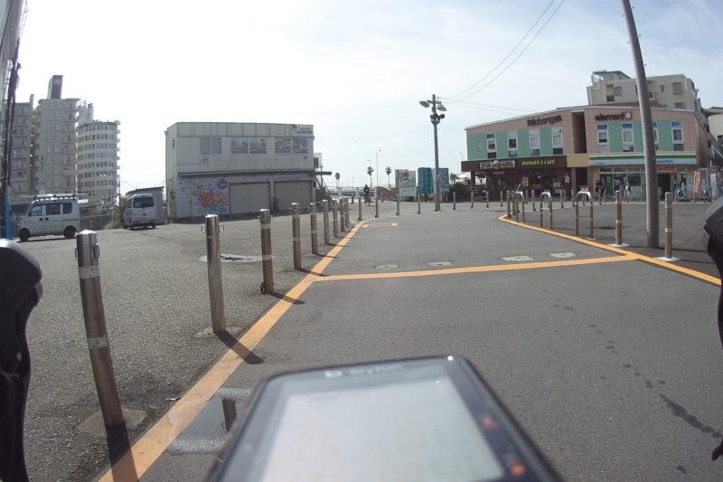 片瀬江ノ島駅前