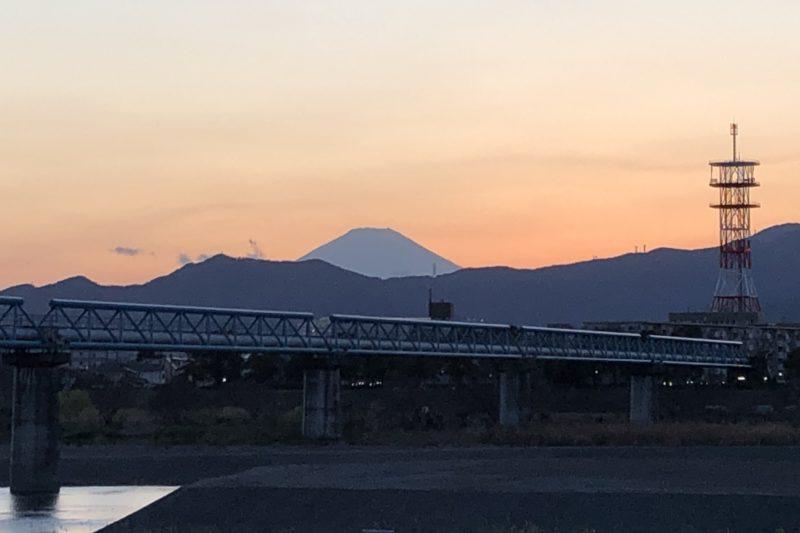 相模川からの富士山の夕日