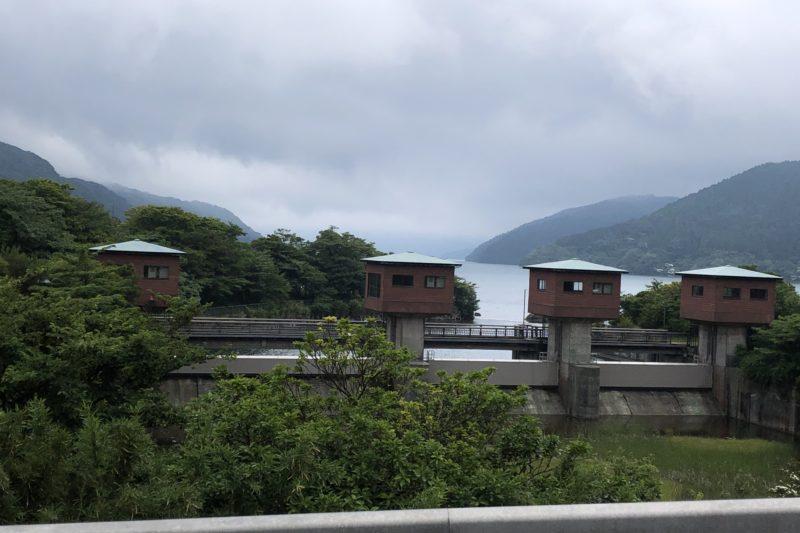 芦ノ湖の湖尻水門