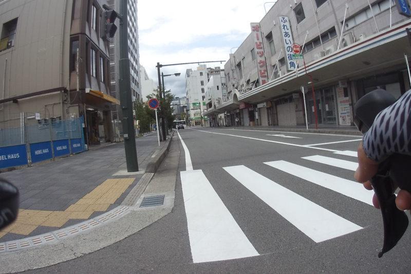 小田原駅前の商店