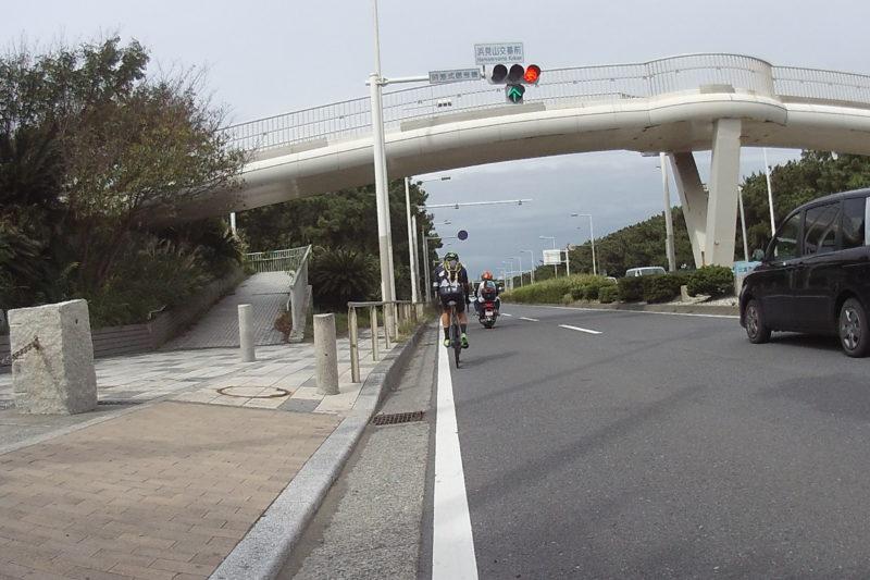 湘南海岸線沿いの道