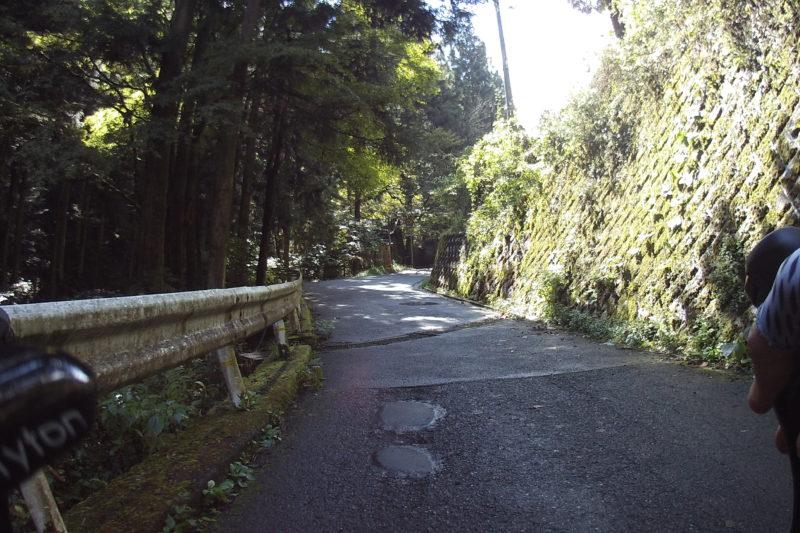 和田峠への激坂